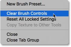 Выбор Clear Brush Controls из меню панели «Кисть».