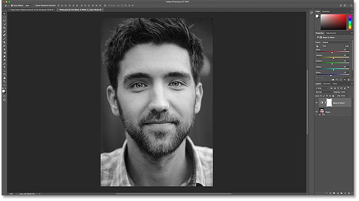 Изображение в оригинальном смарт-объекте было преобразовано в черно-белое