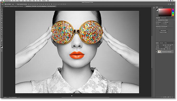 Выбранное изображение откроется в Photoshop.  Фото предоставлено: Adobe Stock