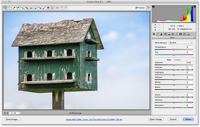 Изображение было обрезано в Camera Raw.  Image © 2013 Стив Паттерсон, Photoshop Essentials.com