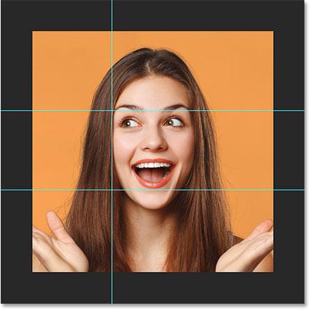 Первое вертикальное руководство добавлено в документ Photoshop.