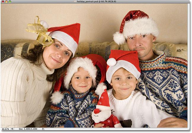 Праздник семейного портрета.  Изображение лицензировано от iStockphoto фотошопом Essentials.com.