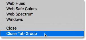 Выбор команды «Закрыть вкладку группы» в Photoshop CS6.